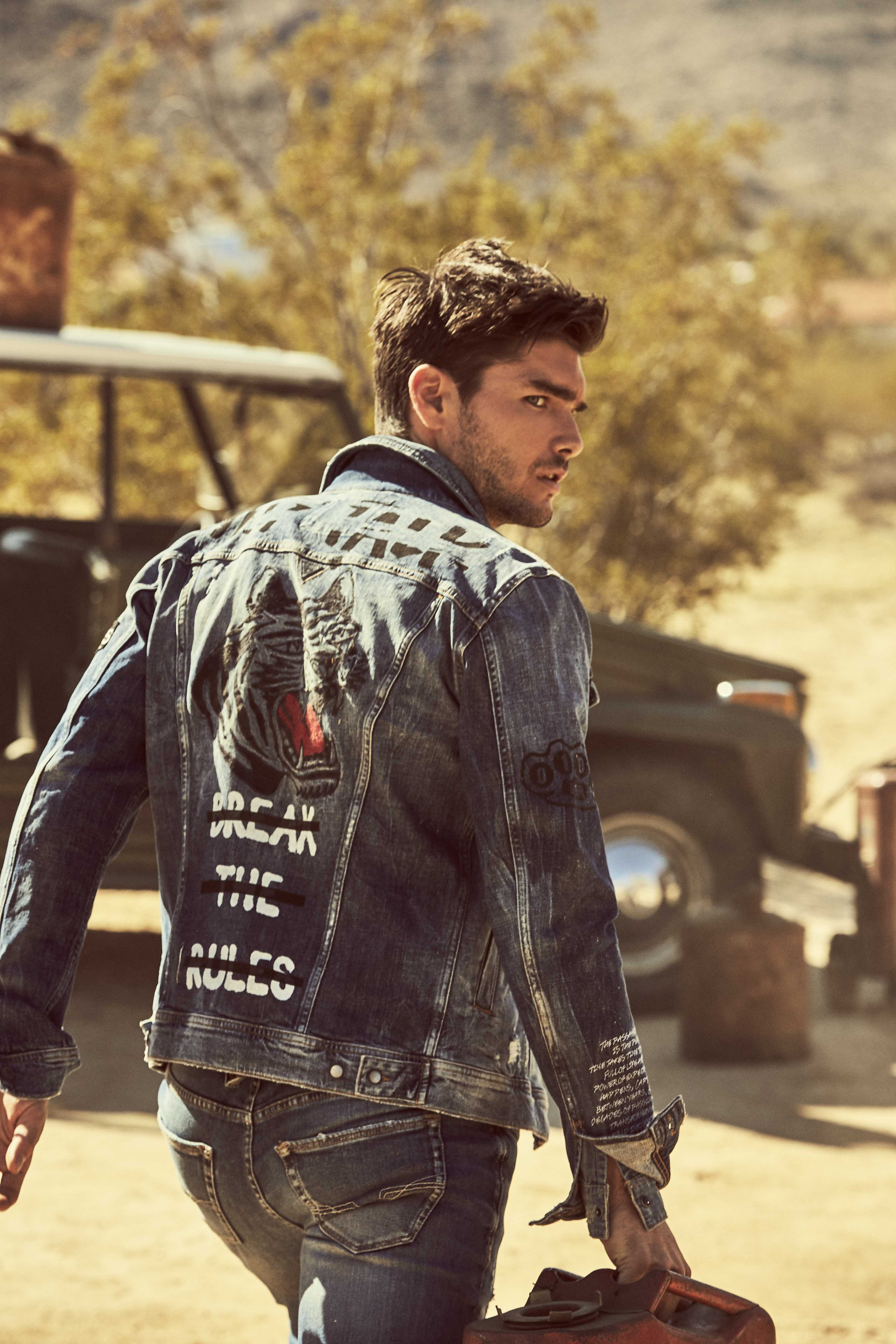 15331146814069_GUESS JEANS FW18 ADV CAMPAIGN IMAGES_J12.jpg