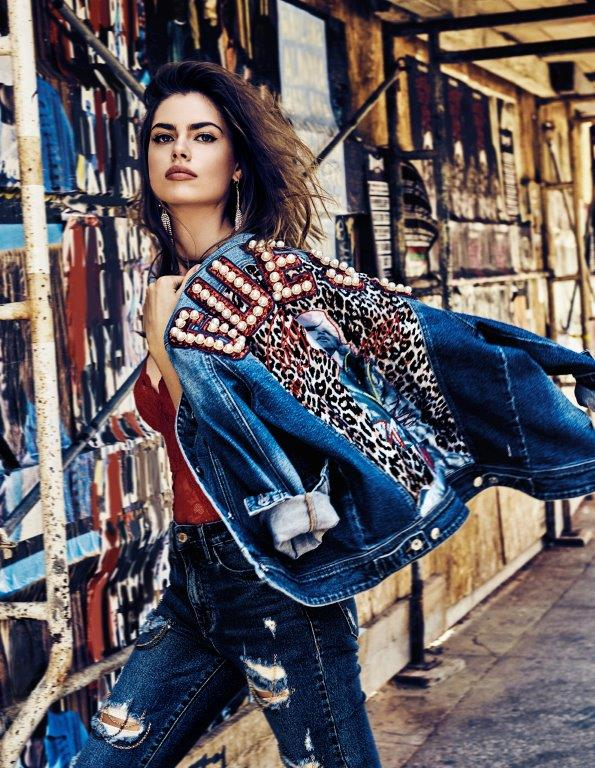 15433078915888_guess-jeans-holiday-fw18_h12.jpg